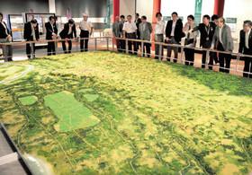 1300年前の古代国府「再現」 府中市郷土の森博物館リニューアル