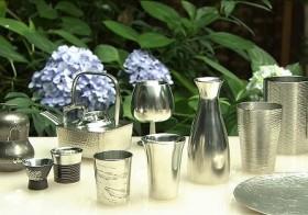涼やかな佇まいが人気「錫器」江戸時代に職人たちが腕競った酒器、茶器 / 美の壺