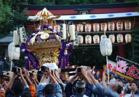 江戸の三大祭の1つ!東京・文京区の根津神社で、伝統と歴史の祭り「例大祭」が開催されます。